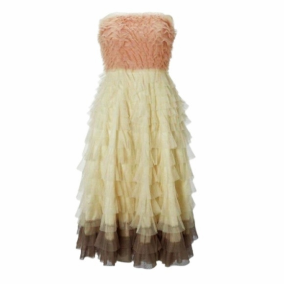 Modcloth Dresses & Skirts - Strapless Formal layered Swan Cloud Dress in Pink
